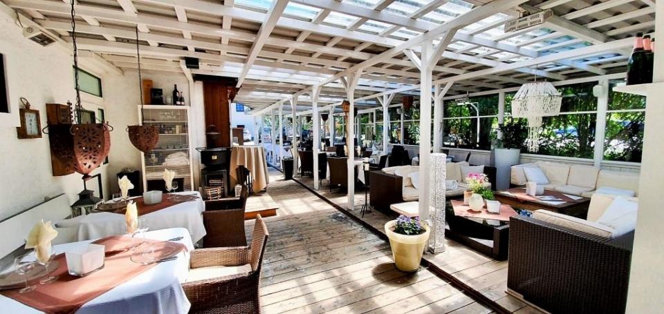 Asado's Steakhouse Lounge Terrasse